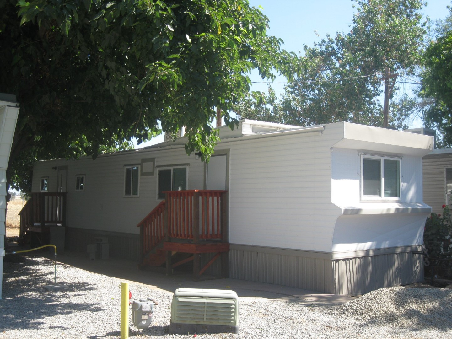 Three Palms Mobile Home RV Park